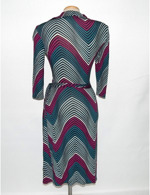 Feltűnő átlapolós ruha / M